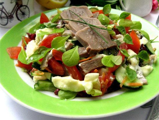 Салат из отварного языка рецепт